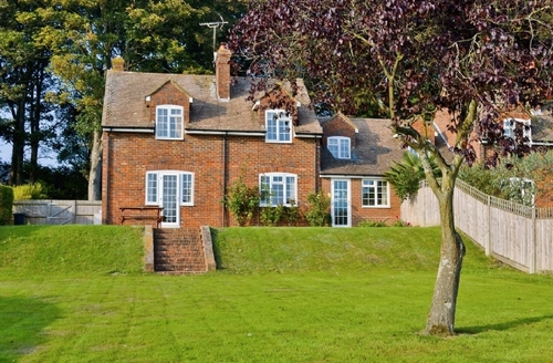 Snaptrip - Last minute cottages - Attractive Maidstone Apartment S24505 -