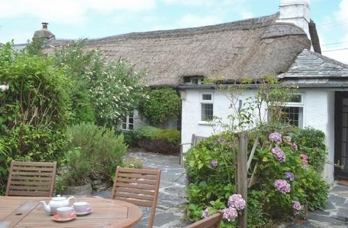 Snaptrip - Last minute cottages - Captivating Crackington Haven Cottage S24643 -