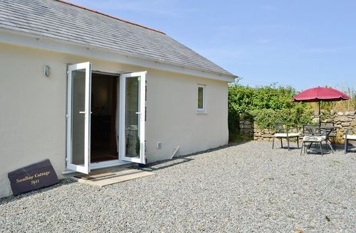 Snaptrip - Last minute cottages - Stunning Benllech Cottage S24712 -