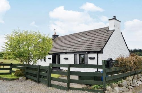 Snaptrip - Last minute cottages - Excellent All Black Isle Cottage S24785 -