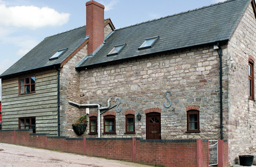 Snaptrip - Last minute cottages - Captivating Hereford Cottage S2026 -