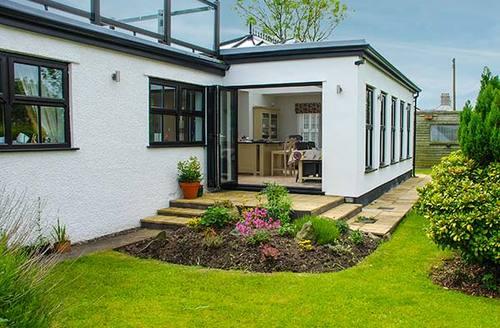 Snaptrip - Last minute cottages - Exquisite Rhoscefnhir Rental S24825 -