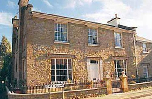 Snaptrip - Last minute cottages - Splendid Evesham Cottage S24889 -