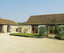 Snaptrip - Last minute cottages - Lovely Evesham Cottage S24894 -
