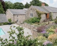 Snaptrip - Last minute cottages - Attractive Ashbourne Cottage S24905 -