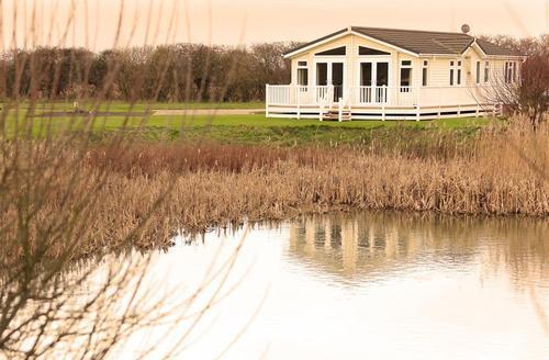 Snaptrip - Last minute cottages - Superb Aldeburgh Rental S24944 - KES-exterior-v06