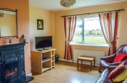 Snaptrip - Last minute cottages - Stunning Ballinrobe Rental S25125 -