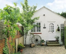 Snaptrip - Last minute cottages - Exquisite Selby Cottage S25152 -