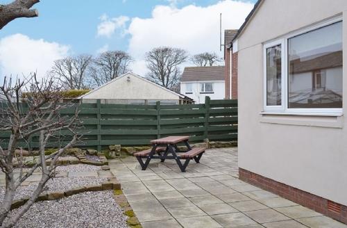 Snaptrip - Last minute cottages - Splendid St Bees Cottage S25186 -