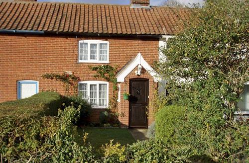 Snaptrip - Last minute cottages - Beautiful Harleston Cottage S2070 -