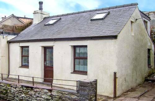 Snaptrip - Last minute cottages - Wonderful Dinorwic Rental S25246 -