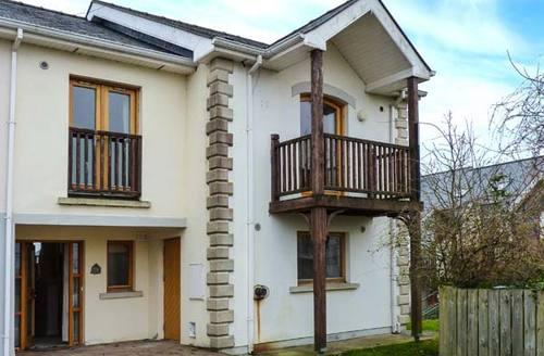 Snaptrip - Last minute cottages - Captivating Longford Rental S25424 -