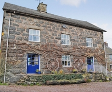 Snaptrip - Holiday cottages - Stunning Bala Cottage S25430 -