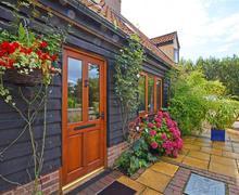 Snaptrip - Last minute cottages - Tasteful Ilketshall St Margaret Rental S25532 - Exterior - View 4