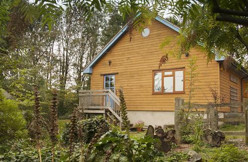 Snaptrip - Last minute cottages - Splendid  Rental S25586 - Woodside_Loft_Exterior_3 (1)
