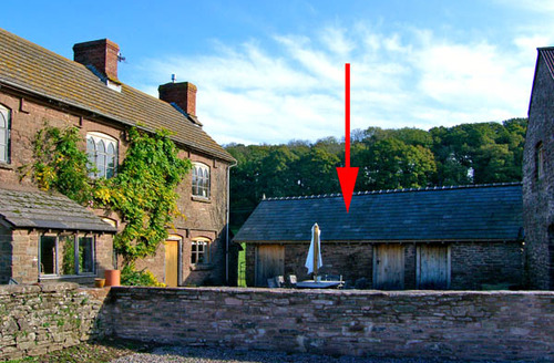Snaptrip - Last minute cottages - Attractive Hereford Stables S2145 -