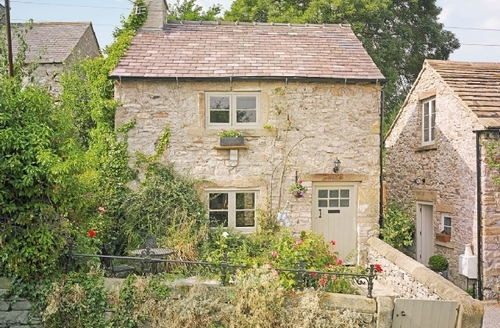Snaptrip - Last minute cottages - Tasteful Bakewell Cottage S25783 -