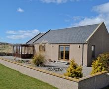 Snaptrip - Last minute cottages - Wonderful Tain Cottage S25789 -