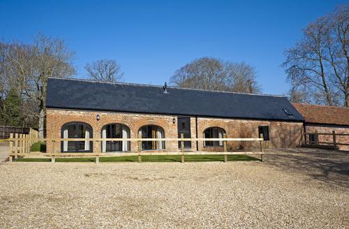 Snaptrip - Last minute cottages - Adorable Ryde Farm S1150 -