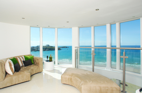 Snaptrip - Last minute cottages - Delightful Newquay Penthouse S1256 -
