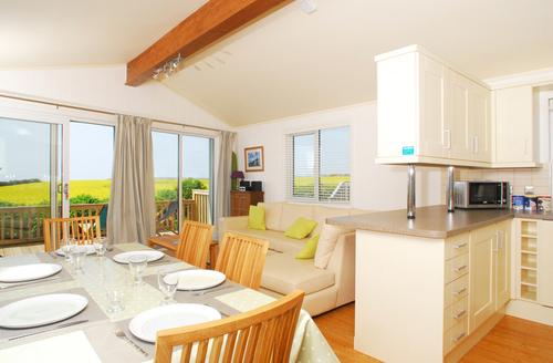 Snaptrip - Last minute cottages - Gorgeous Kingsbridge Rental S1320 -