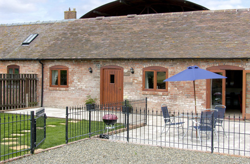 Snaptrip - Last minute cottages - Attractive Much Wenlock House S2208 -