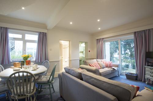 Snaptrip - Last minute cottages - Excellent Falmouth House S1517 -
