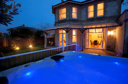 Snaptrip - Last minute cottages - Cosy Shanklin House S1535 -