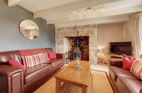 Snaptrip - Last minute cottages - Tasteful Bodmin Farm S1805 -