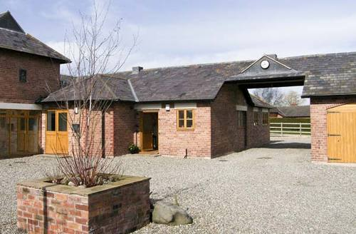 Snaptrip - Last minute cottages - Exquisite Whitchurch Byre S2256 -