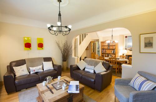 Snaptrip - Last minute cottages - Excellent Falmouth View S1977 -
