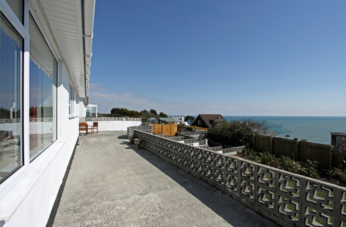 Snaptrip - Last minute cottages - Excellent Saint Austell Lookout S1979 -