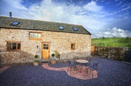 Snaptrip - Last minute cottages - Delightful Wigton Barn S413 - Swallows Barn, Self catering holiday cottage in Torpenhow Nr Caldbeck fells, Lakes Cottage Holidays