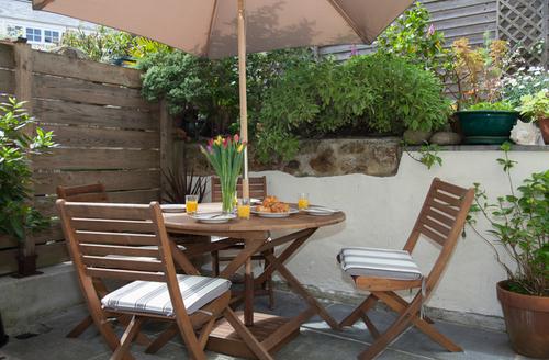 Snaptrip - Last minute cottages - Delightful Penzance Apartment S6599 -
