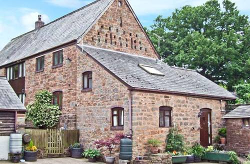 Snaptrip - Last minute cottages - Lovely Ross On Wye Farm S2276 -