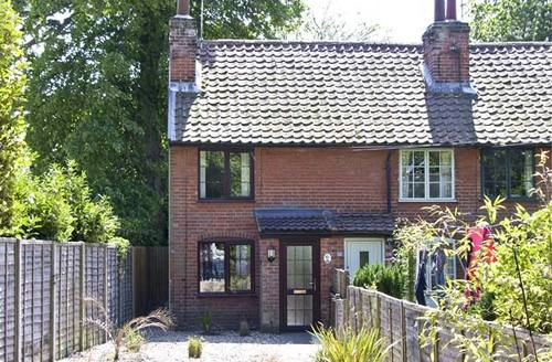 Snaptrip - Last minute cottages - Superb Ipswich Row S2284 -