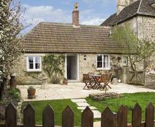 Snaptrip - Last minute cottages - Quaint Chippenham Cottage S2298 -