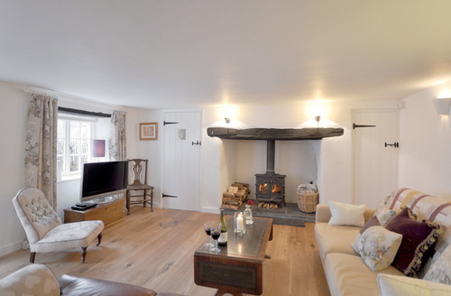 Snaptrip - Last minute cottages - Stunning Kings Nympton Cottage S12759 -