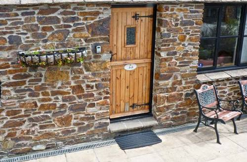 Snaptrip - Last minute cottages - Tasteful Truro Cottage S2311 -