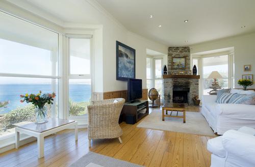 Snaptrip - Last minute cottages - Charming Gunwalloe Rental S13188 -