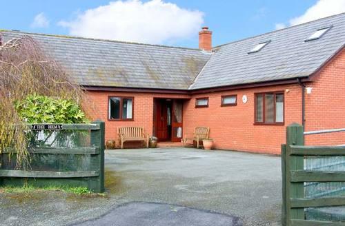Snaptrip - Last minute cottages - Excellent Shrewsbury Hem S2317 -
