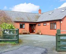 Snaptrip - Last minute cottages - Excellent Shrewsbury Hem S2317 -