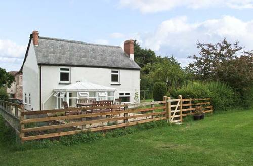 Snaptrip - Last minute cottages - Inviting Ludlow House S2321 -