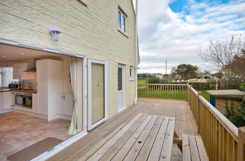 Snaptrip - Last minute cottages - Luxury Seaview Rental S24955 -