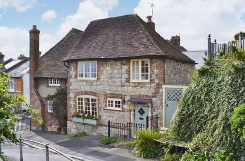 Snaptrip - Last minute cottages - Captivating Folkestone Cottage S25815 -