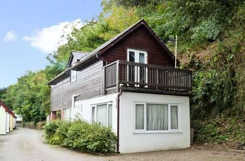 Snaptrip - Last minute cottages - Tasteful Wadebridge Cottage S2369 -