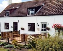Snaptrip - Last minute cottages - Quaint Market Rasen Homestead S2374 -