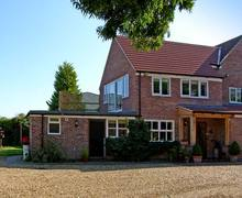 Snaptrip - Last minute cottages - Tasteful Grantham Studio S2373 -