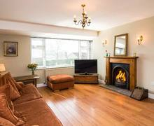 Snaptrip - Last minute cottages - Beautiful Longnor Rental S25975 -