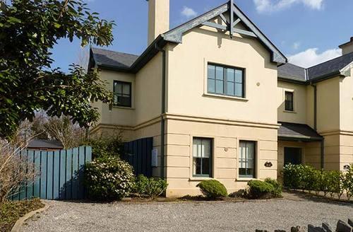 Snaptrip - Last minute cottages - Luxury Killarney Rental S26011 -
